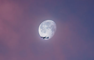 Ian-Simmonds-moon-and-plane-reduced